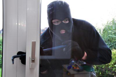 Come difendersi dai ladri con un cartello dissuasore e un buon antifurto Verisure