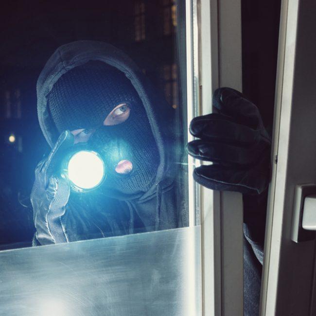 Gas narcotizzante: è vero che i ladri lo usano per addormentare le vittime?