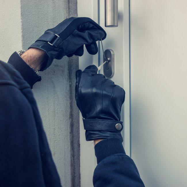 Il condominio dei furti: 9 casi in 10 giorni