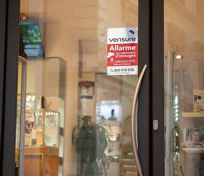 Il cartello di videosorveglianza: è un ottimo deterrente contro i furti?
