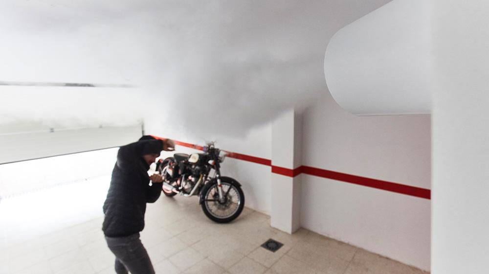 Fumogeno ZeroVision Verisure mette in fuga un ladro nel garage